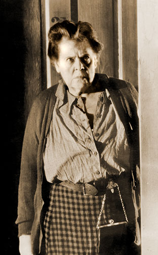 1930-31 (4th) Best Actress: Marie Dressler